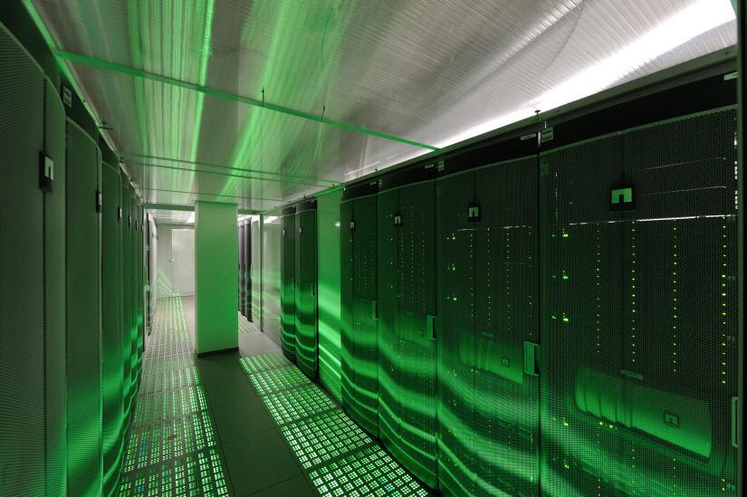 SAP Takes on Data Warehousing