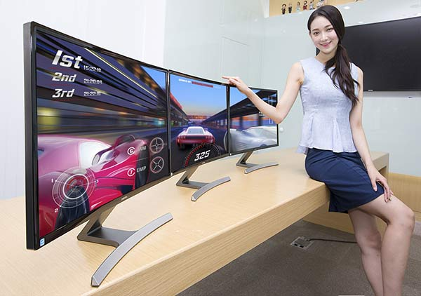 Samsung Monitors Also Get Curved