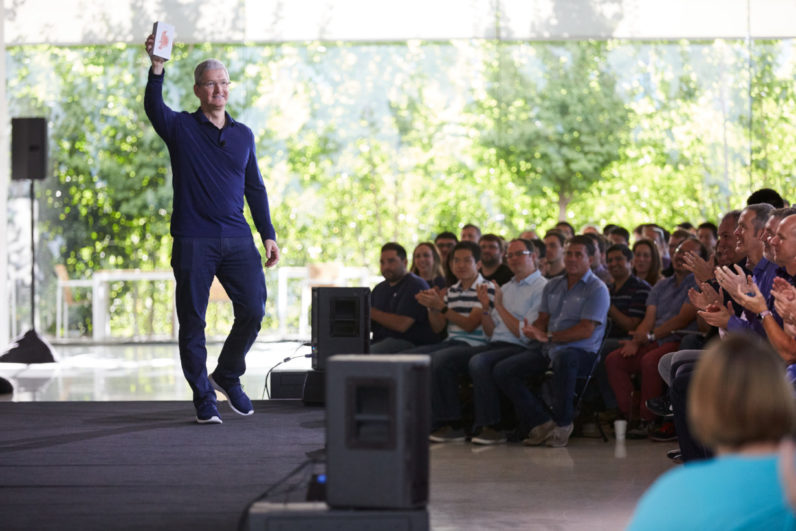 Apple Sells 1 Billion iPhones