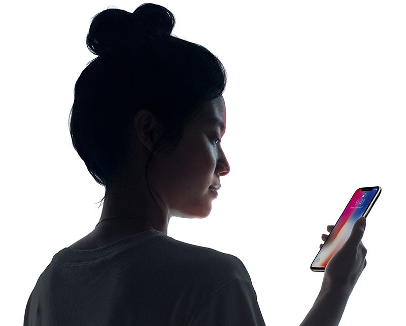 Apple's Craig Federighi Answers Face ID Concerns