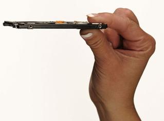 Hitachi Goes For Slimmer HDDs
