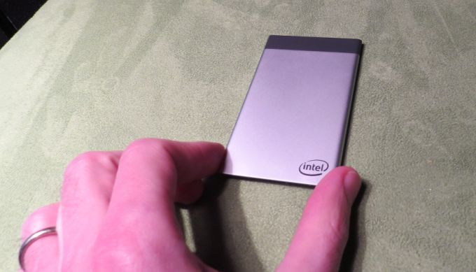 Intel Presents Credit Card-Size Compute Card