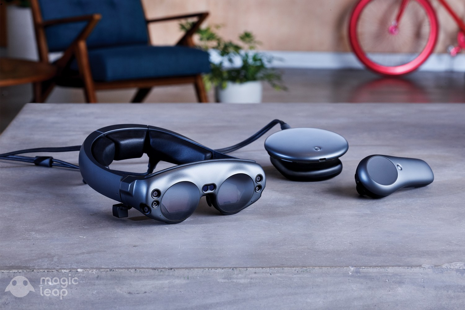 Magic Leap Reveals Mixed Reality Headset